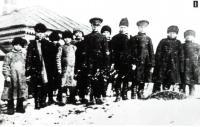 Учащиеся земской школы